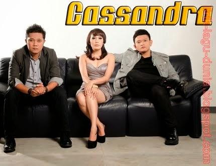 Download Lagu MP3 Cassandra – Cinta Terbaik
