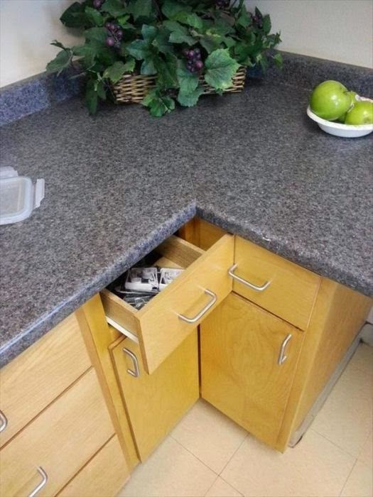 32 Design Fails That Make Little — To Zero — Sense - I'm surprised they even put anything in that drawer