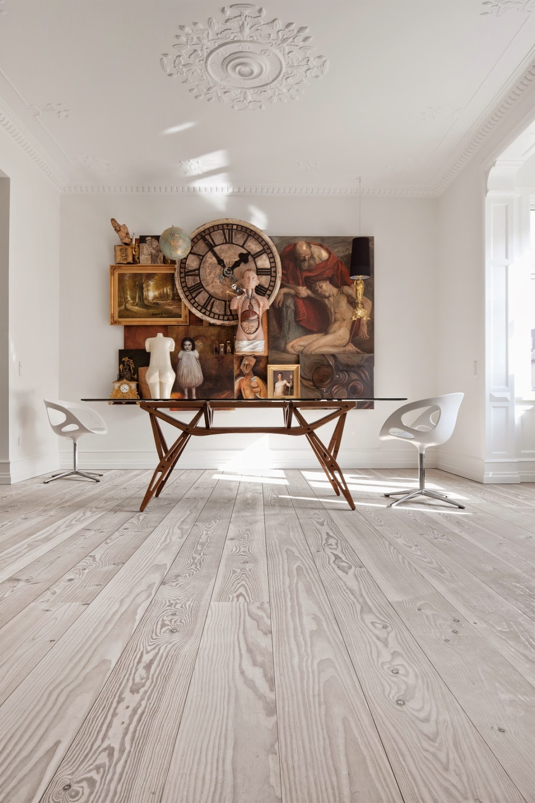 Future simple passive what a beautiful floor for Painted wood floor ideas