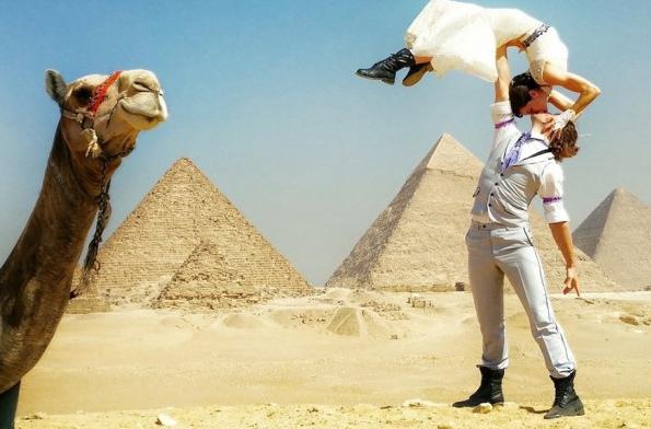 Pasangan Ini Menikah Sebanyak 24 Kali di Berbagai Negara