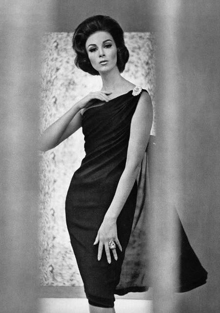 Vintage LBD #1950s #1960s #fashion #black #dress