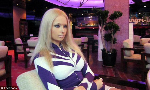 foto Valeria Lukyanova Wanita Barbie