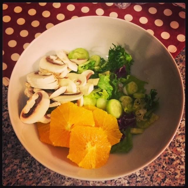 Цитрусовый салат со свежими шампиньонами, быстрые салаты