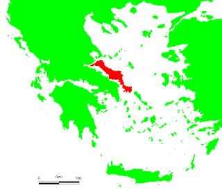 Η Εύβοια είναι το δεύτερο μεγαλύτερο νησί της Ελλάδας και το έκτο μεγαλύτερο της Μεσογείου. Η έκταση του νησιού είναι 3.654 τ.χμ. και εκτείνεται κατά μήκος της βορειοανατολικής ηπειρωτικής Στερεάς Ελλάδας, από το Μαλιακό κόλπο μέχρι απέναντι από την ακτή της Ραφήνας, χωριζόμενη από αυτήν από την Ευβοϊκή θάλασσα.