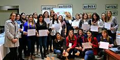 28 personas participaron de la clase magistral: El Mundo del Té