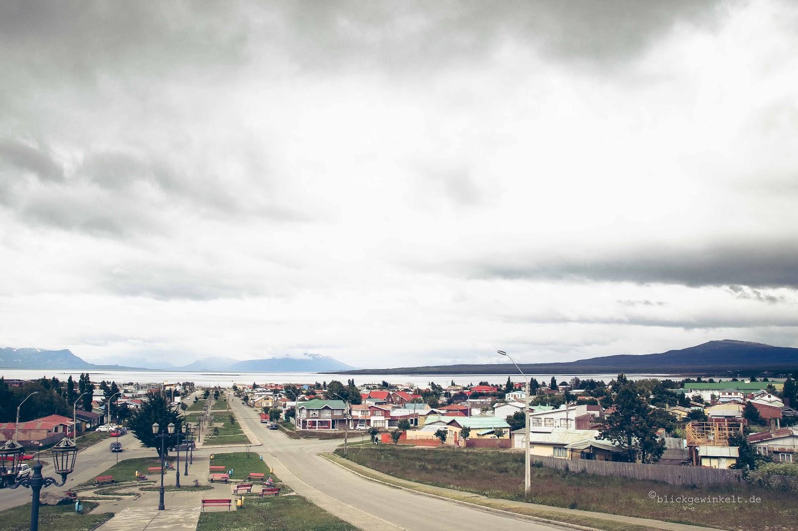 Puerto Natales, Ansicht von oben über den Fjord