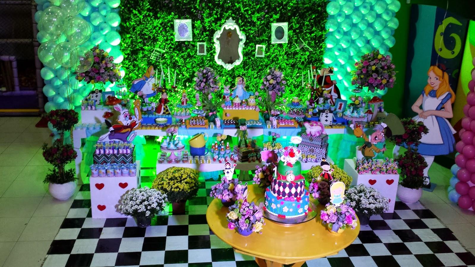 Festas e Cia  Arquitetura e Eventos Alice no País das Maravilhas 1