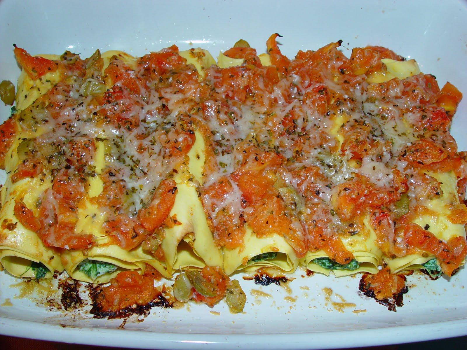 Na cozinha c de casa canelones com ricotta e espinafres e molho de tomate - Canelones en microondas ...