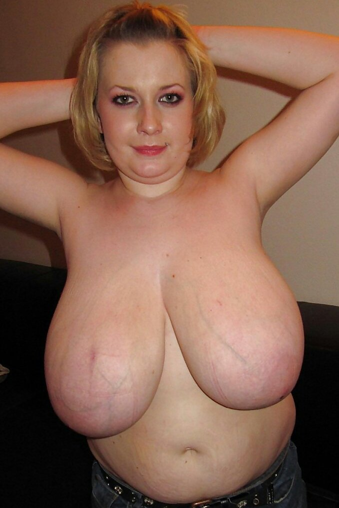Amazingly stacked blonde amateur   Boobs Pussy Nude Photo