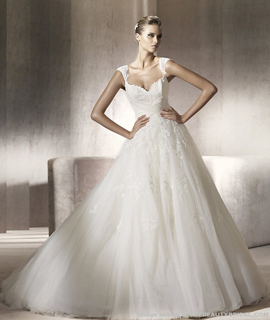 Amazing Sweetheart Neckline Wedding Dresses with Sleeves 550 x 653 · 62 kB · jpeg