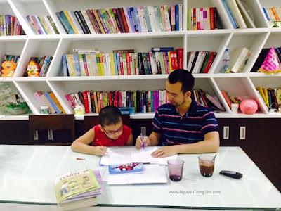 Nguyễn Trọng Thơ học toán cùng con, không còn nhàm chán