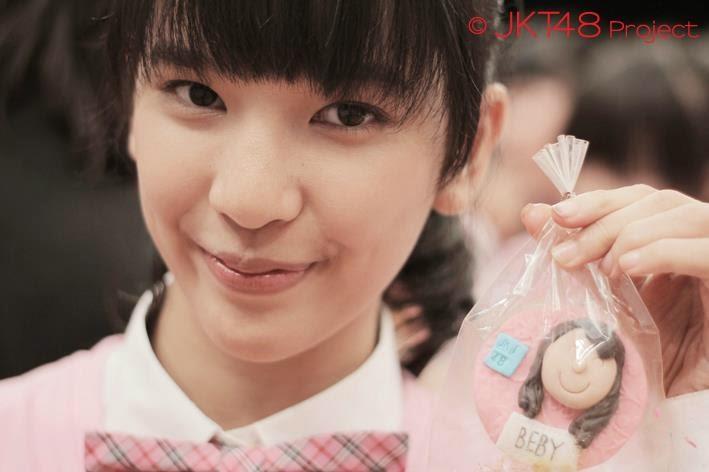 Foto Cantik Beby Chaesara Anadila JKT48 Memakai Seifuku School