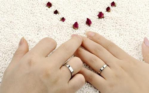 Ý nghĩa của ngón tay đeo nhẫn