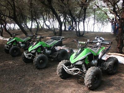 ATV motor di kawasan Pantai Kuwaru