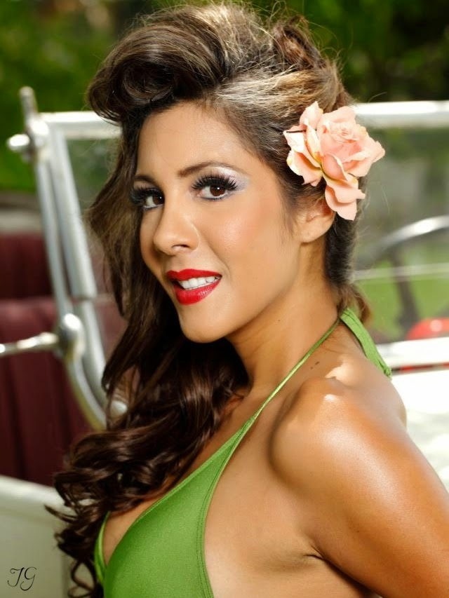 """Belleza Pin-Up"" para Ohlala Swimwear"