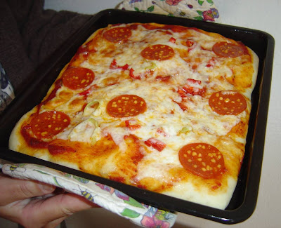 My homemade pizza.jpeg