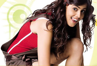 John Abraham Hot Romance with Genelia in ForceGenelia Hairstyle In Force
