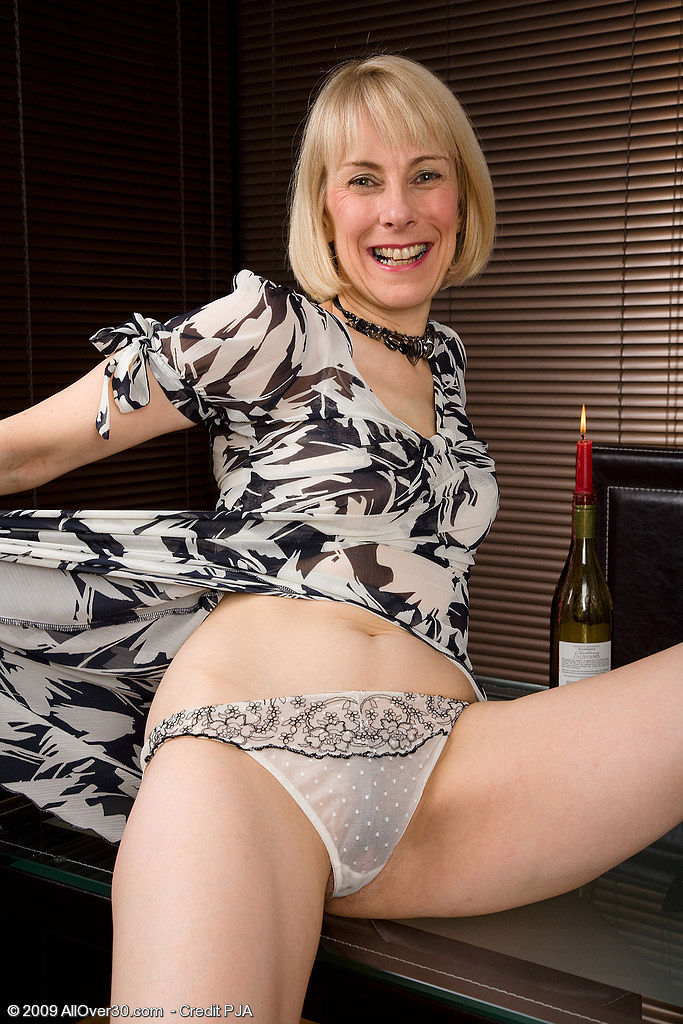 Mature Ladies Hazel 88