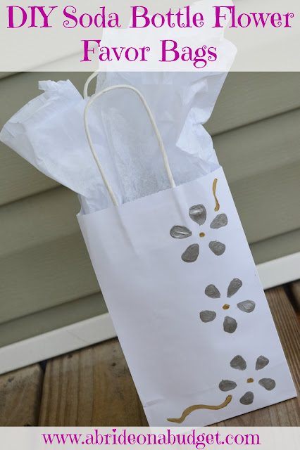 DIY-Soda-Bottle-Flower-Favor-Bags