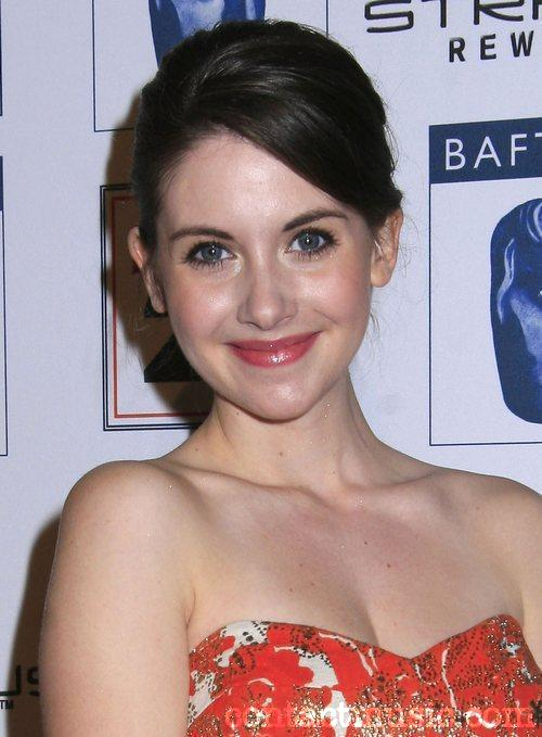 Red Lips Alison Brie Look Very Beautiful