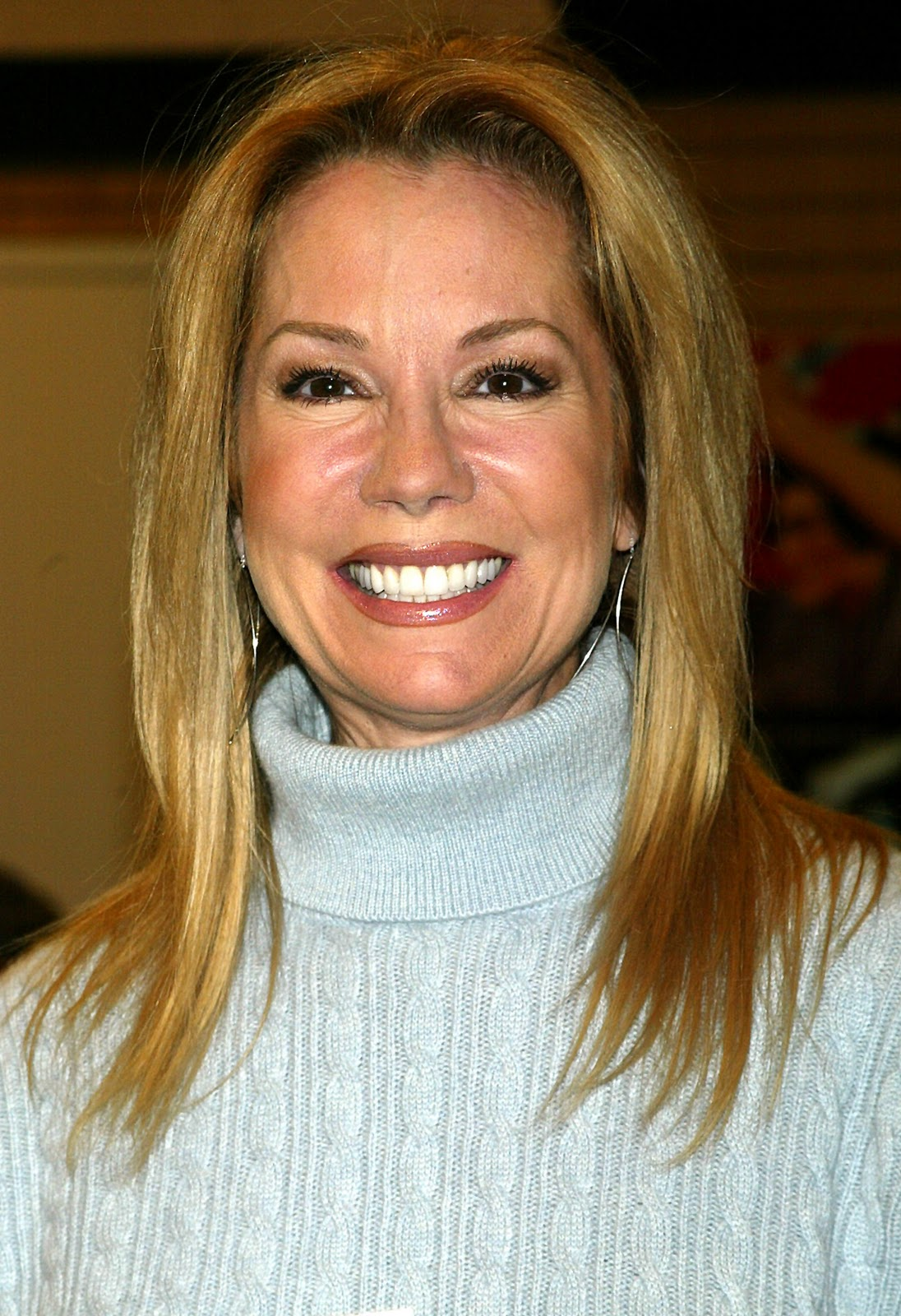 Kathie Lee Gifford Hairstyles Pictures Celebrity Hair Cuts Proudly
