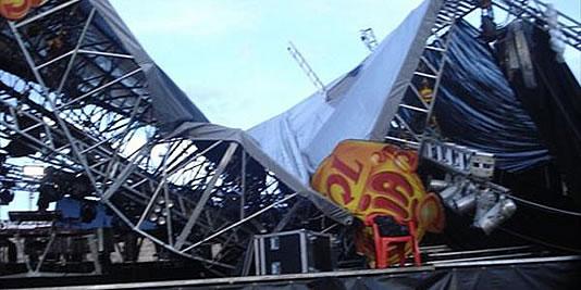 desabamento palco estrutura evento
