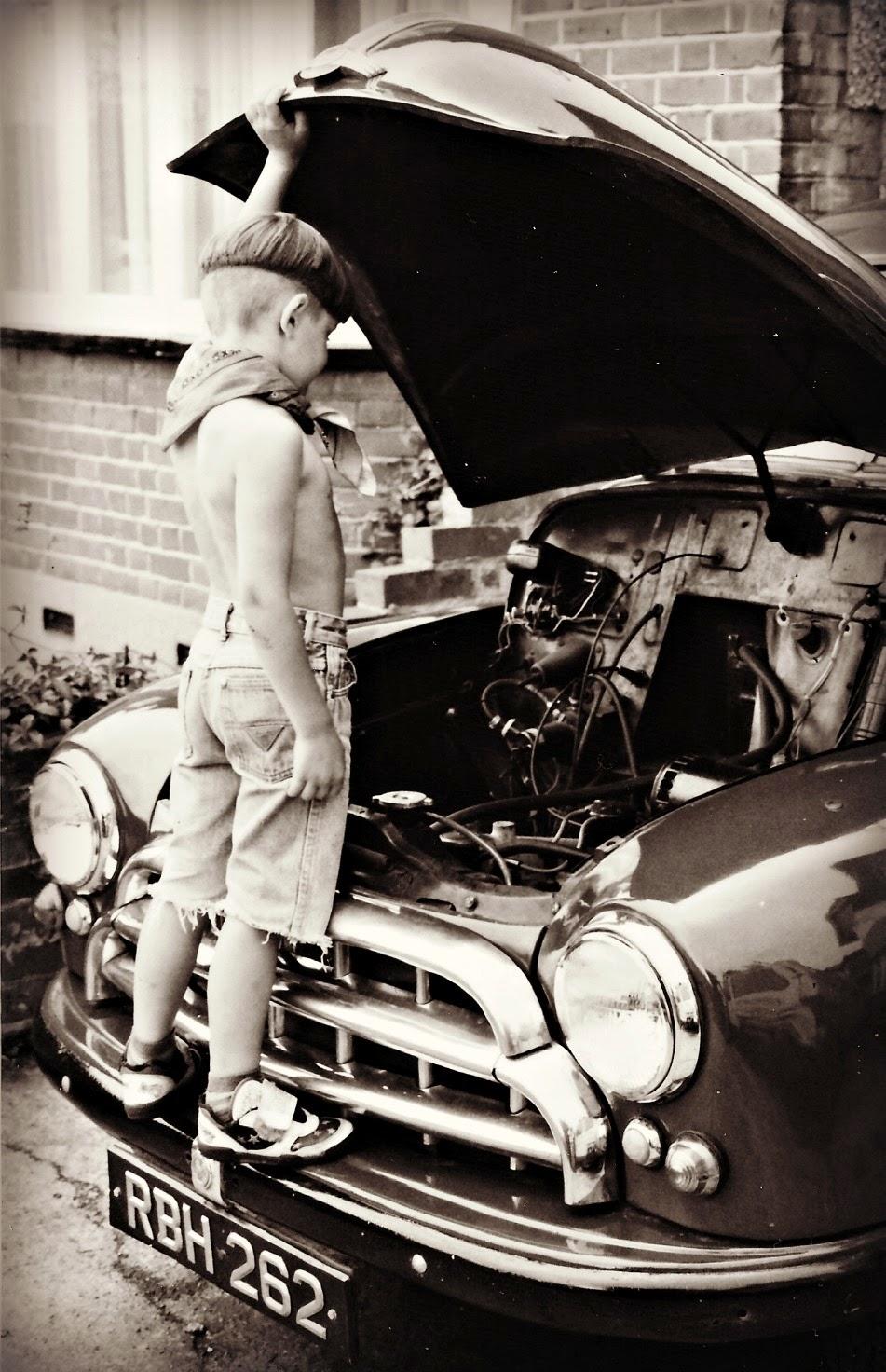 Morris Oxford, mechanic, arty