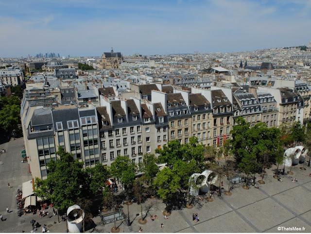Vue du Parvis de Beaubourg centre George Pompidou Paris