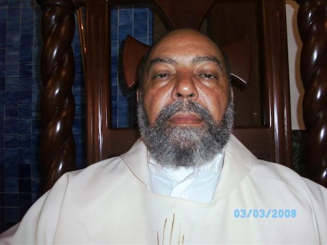 "Padre Félix Rosario le ""entra"" al Cardenal"