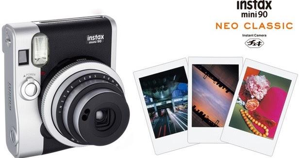 Fujifilm Instax Mini 90 Neo Classic la fotocamera a sviluppo istantaneo