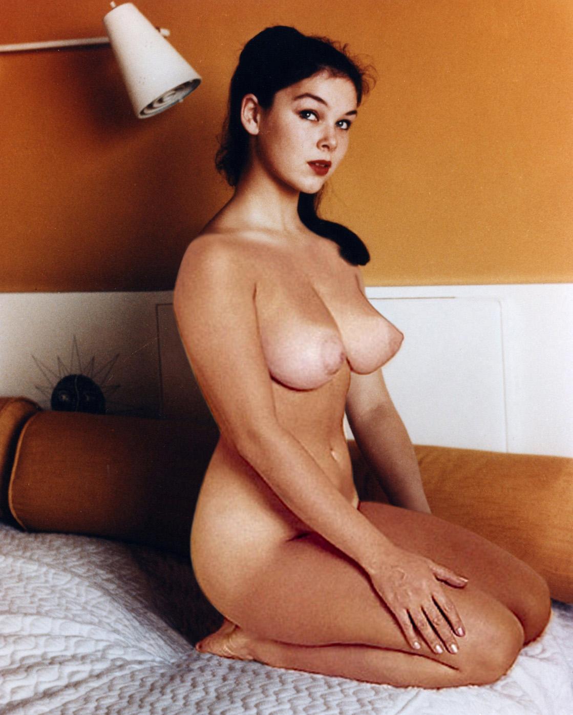 Yvonne Craig Nude 113