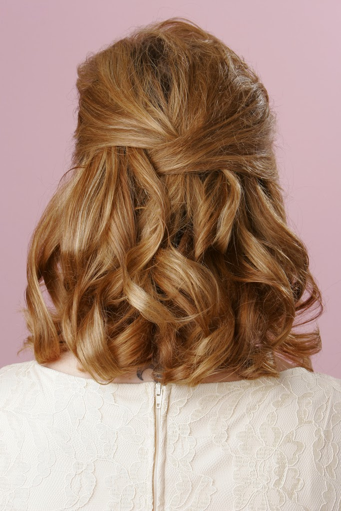 Choose wedding hairstyles for medium length hair wedding stuff ideas Short brown wavy hairstyle
