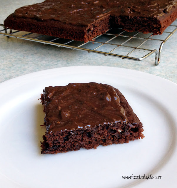 Banana brownies with chocolate peanut butter glaze © www.foodbabylife.com