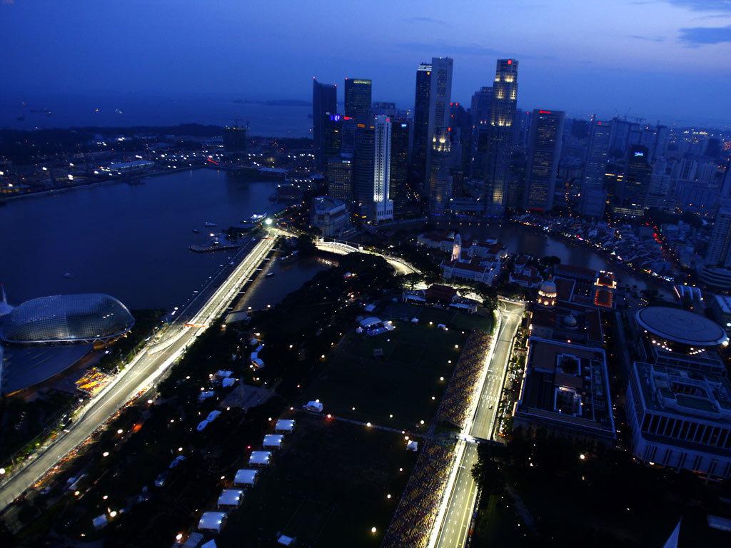 http://4.bp.blogspot.com/-CSrxWt5LKR8/T3wDuJfhyTI/AAAAAAAAAh4/D3kd0Eh2yvY/s1600/Singapore+Skyline+Hd+Wallpaper+%288%29.jpg