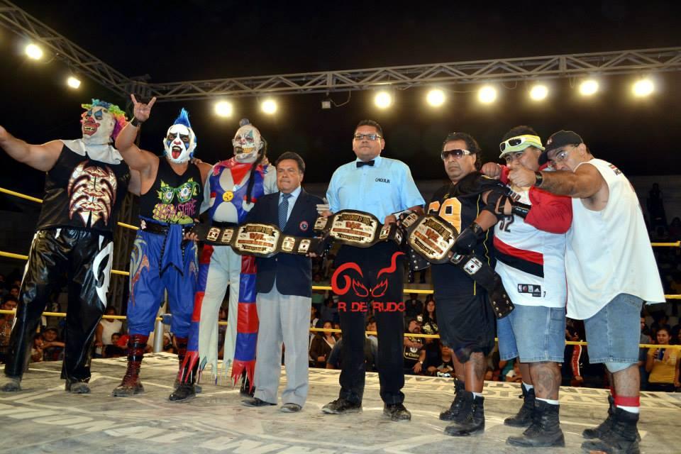 Luchadores Los Porros a Los Porros en Iwl