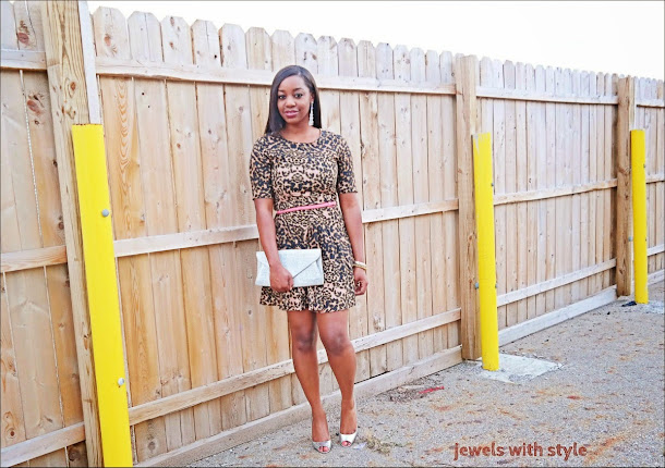 how to shop on a budget, shopping on a budget, shopping on the sale rack, wearing leopard print, leopard print H&M dress, silver shoes, black fashion blogger