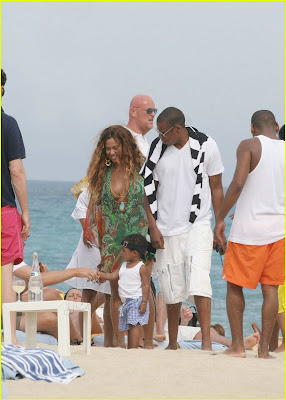 Jay z and Beyonce Baby Blue Ivy Carter