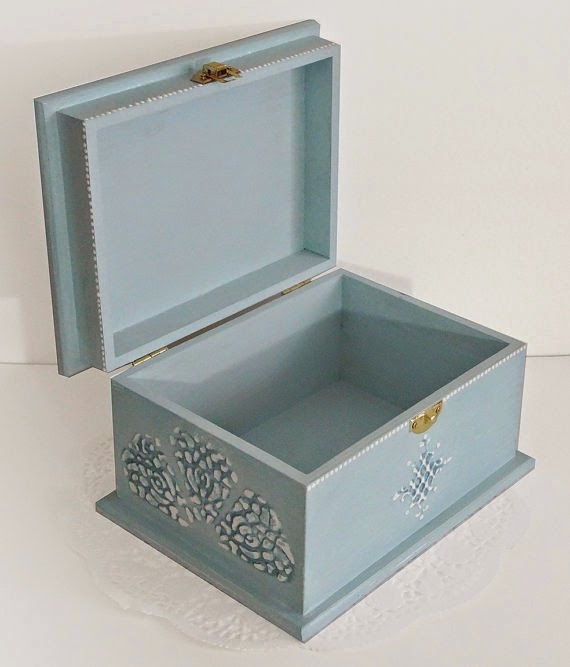 https://www.etsy.com/listing/173672154/big-shabby-chic-jewelry-box-wedding-card?ref=favs_view_3