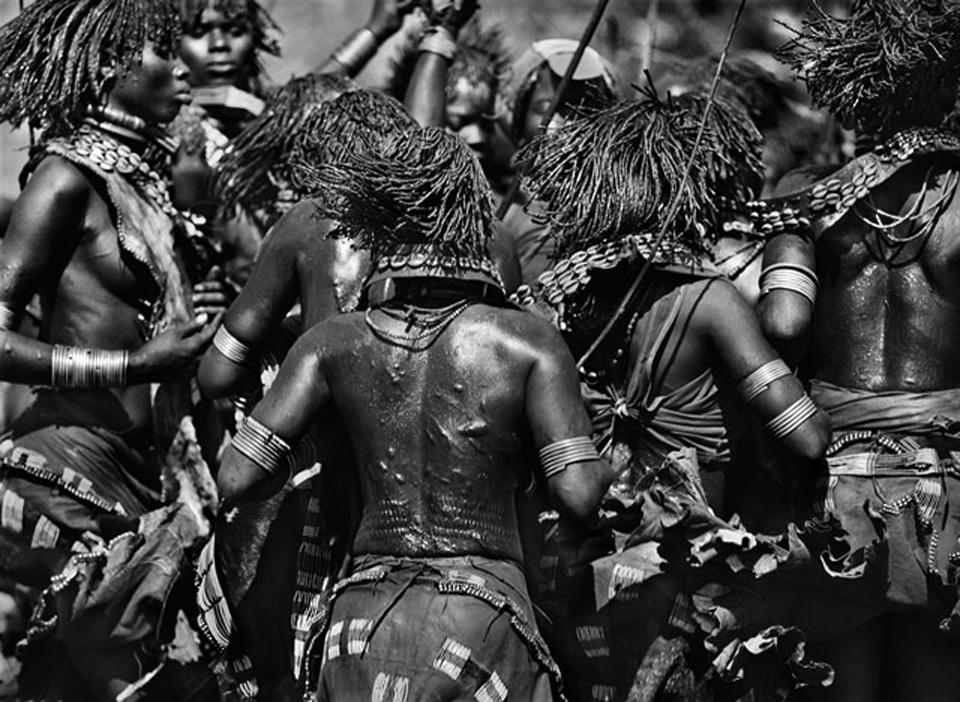 Galeria Tempo. Sebastiao Salgado. Etiopia, da serie genesis. 2007.