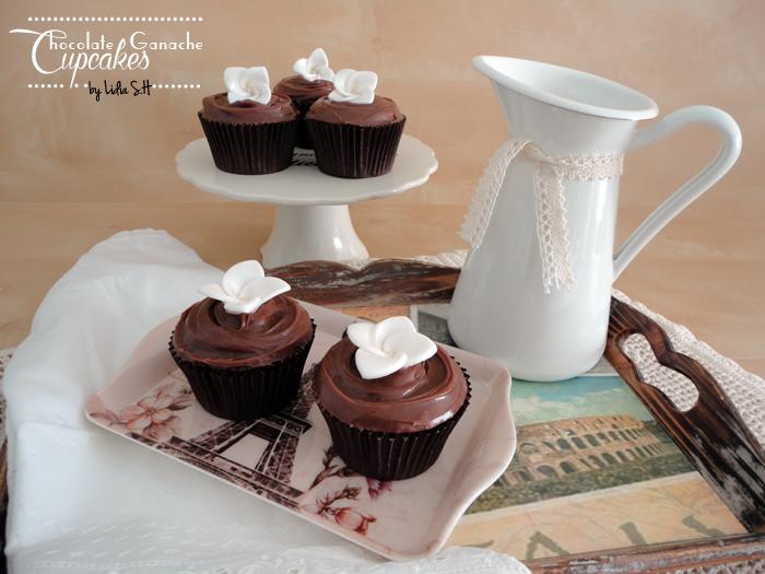 cupcake-chocolates-ganache-leche-negro-blanco