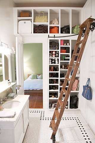 Small Spaces Closets - Kitchen Layout and Decorating Ideas