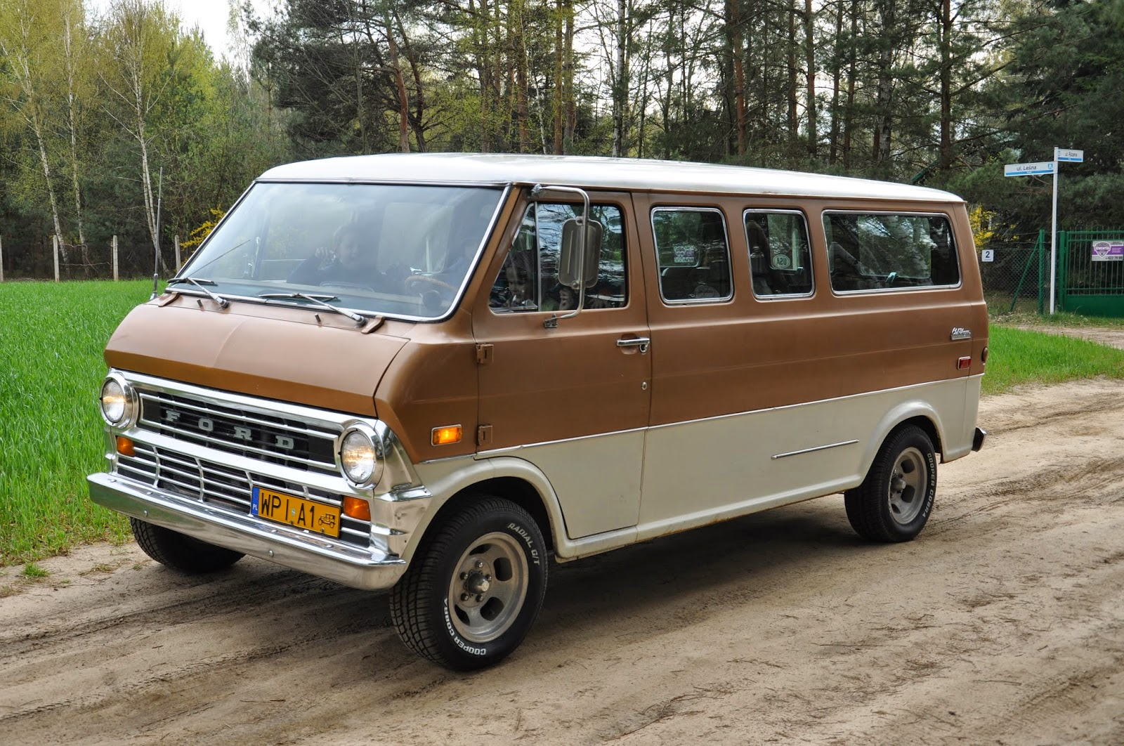 rebel rides behind the iron curtain 1972 ford chateau club wagon econoline a milestone van. Black Bedroom Furniture Sets. Home Design Ideas