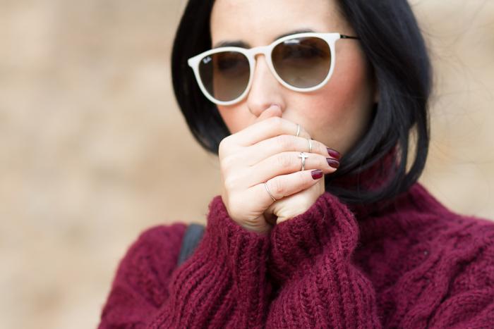 Gafas de Sol Ray Ban Erika de goma color blanco y anillos interfalangicos midi