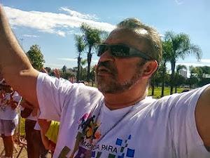 Oração na marcha para Jesus. Manifestação de fé!