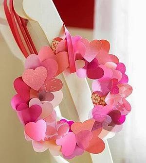 Corona de corazones en papel