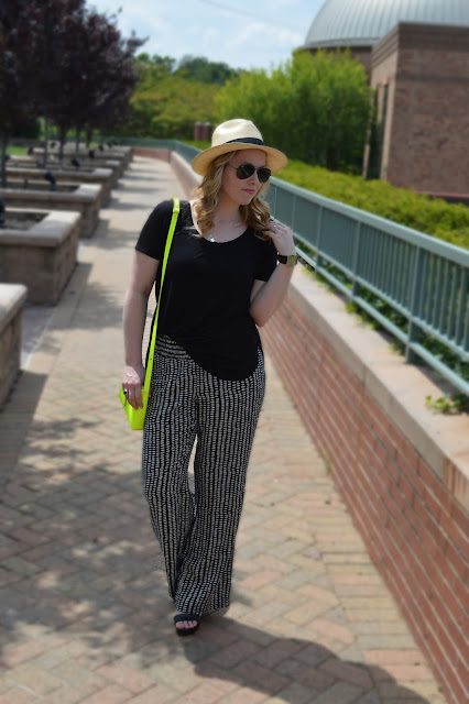 black-white-summer-outfit