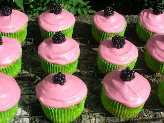 Blackberry and Apple Cupcakes