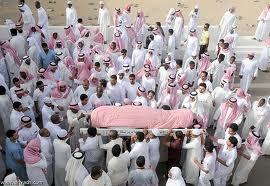 شاب يمنع جنازة والده من الدخول إلى المسجد والصلاة عليه !!!!