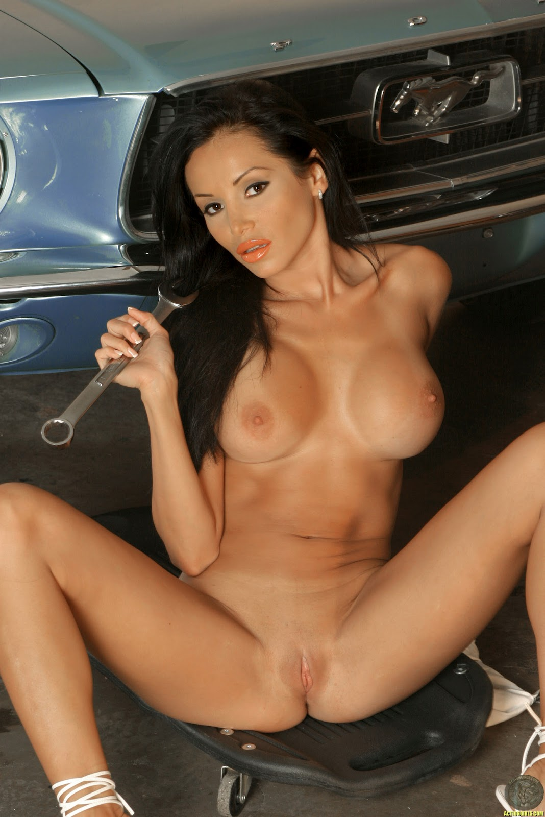 Hot lowrider nude girls this