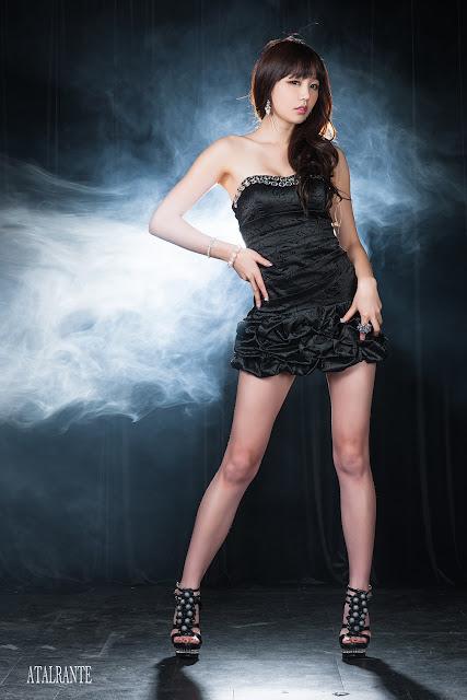 Hong Ji Yeon - Sexy in Black Mini Dress
